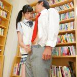 【手コキ抜き】可愛い痴女JKが図書室で男子のチンポをベロチュー手コキに乳首舐め手コキ(橋本ありな)
