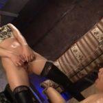 【男の潮吹き&放尿】痴女がペニバンファックでM男のアナルを突いてチンポを扱いてザーメンと男潮を搾り取るとさらにオシッコまでかける(佐々木あき)