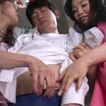 【淫語ハーレムフェラ】熟痴女2人がビキニブリーフを脱がせてM男のチンポを舐めまくる(さかい由布,青山ななせ)